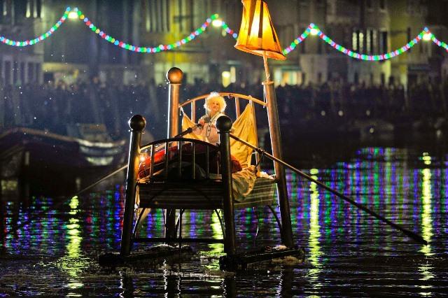 Venedik'te bir gondol